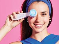 Luxusní péče o pleť s čisticím přístrojem AGELOC® LUMISPA
